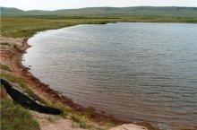 Подгорное озеро в Хакасии