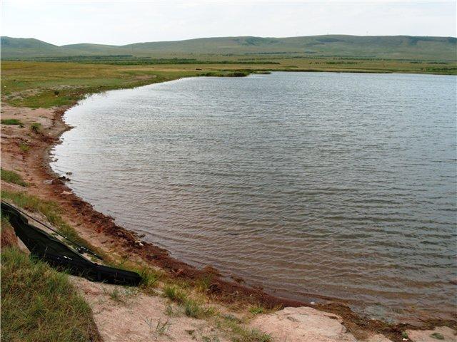подгорное озеро