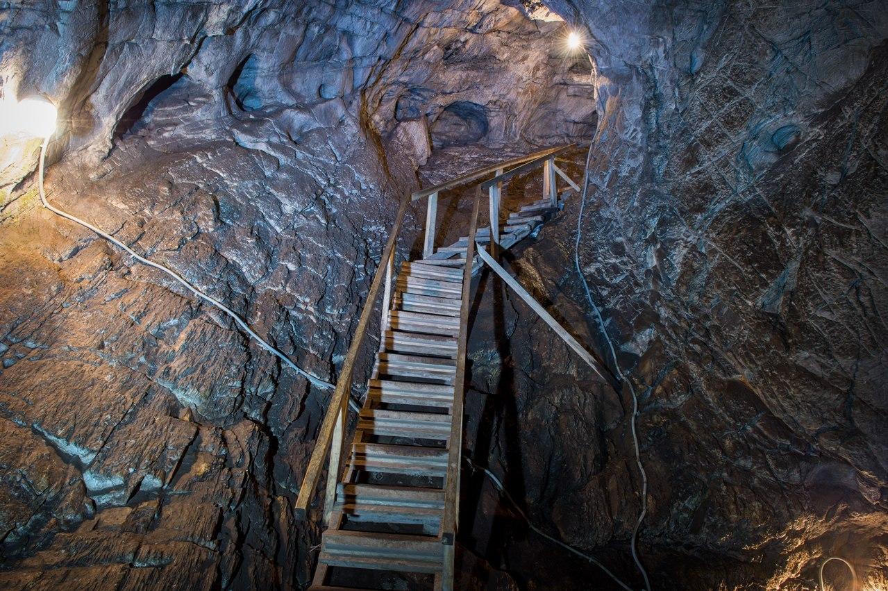 В пещерах Горного Алтая