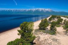 Баргузинский залив на Байкале — песчаные пляжи и красивые пейзажи