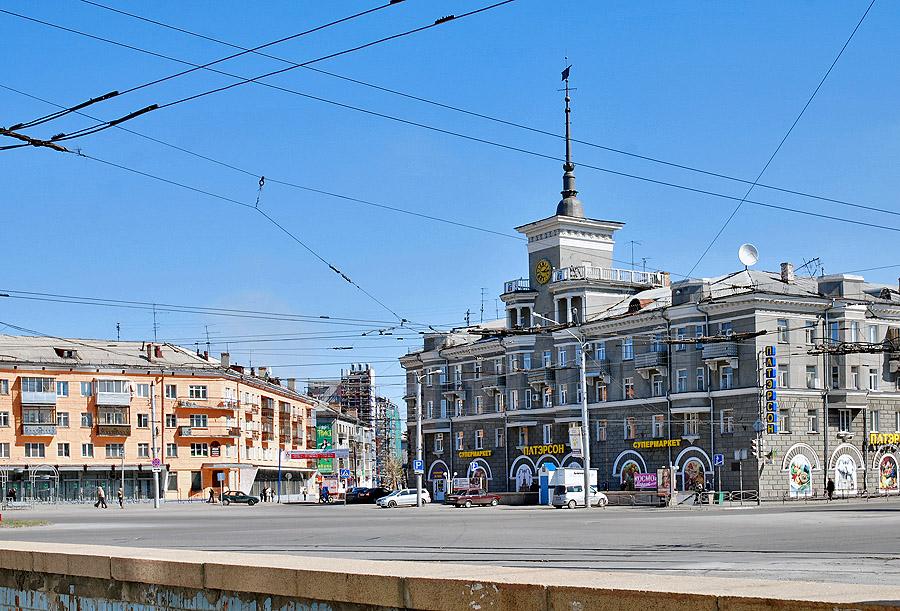 Дом под шпилем достопримечательность Барнаула