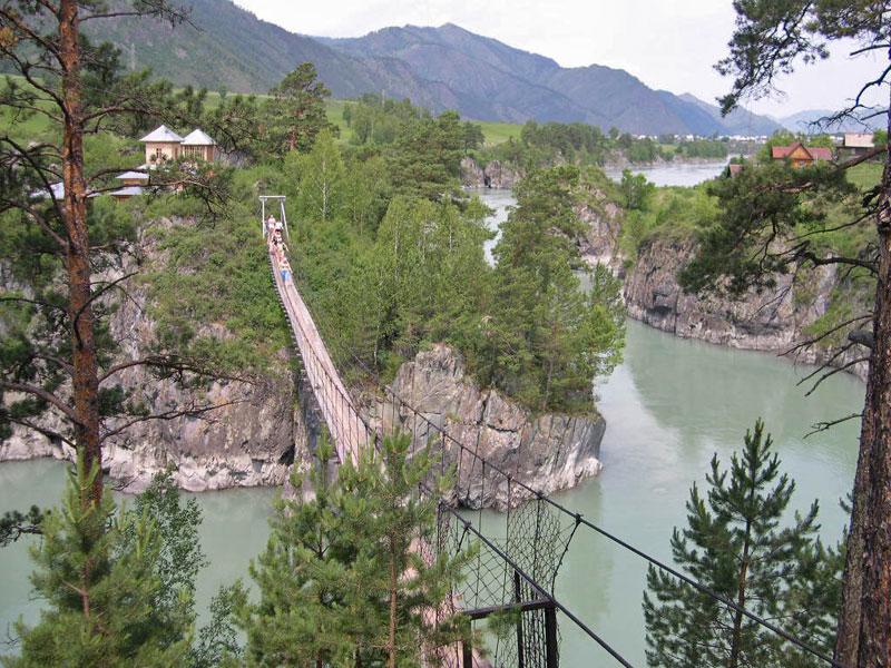 Подвесной мост в Чемале