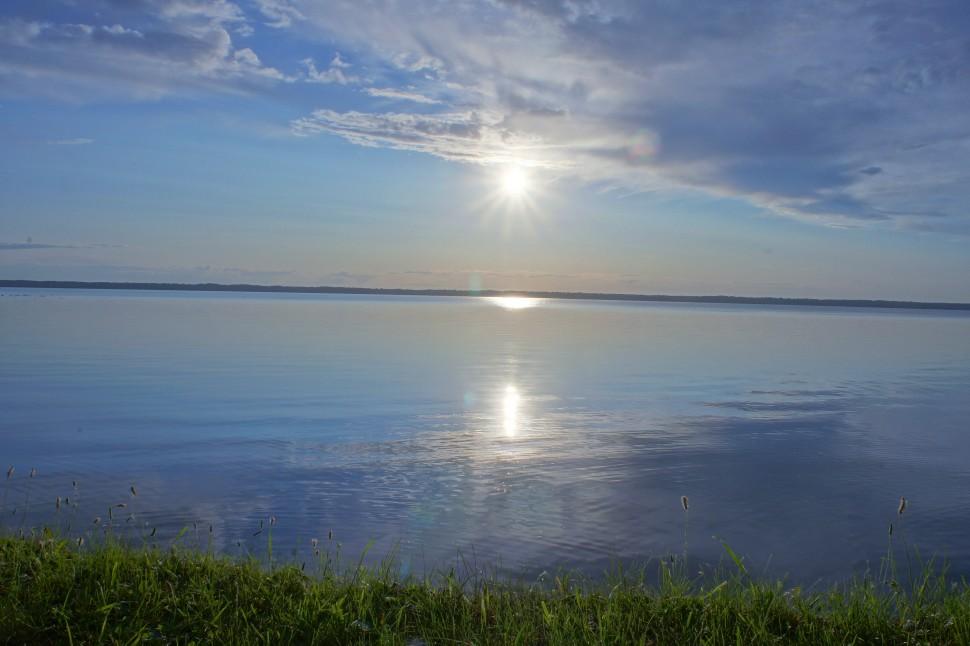 На озере горьком