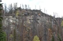 Каменные останцы горы Пустаг (Мустаг)