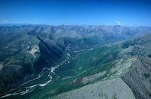 Становой хребет: общая характеристика, тектоника и геология, рельеф, климат, достопримечательности.