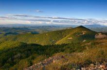Горный хребет Сихотэ-Алинь: тектоника и геология, рельеф, климат, природа, достопримечательности
