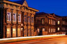 Туристы осваивают новые города Сибири