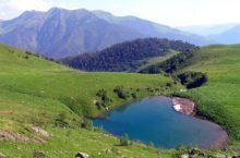 Архыз. Озеро Любви — зеркальное сердце в зелёной оправе