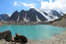 Голубое озеро — высокогорное озеро в ущелье Актру. Изумруд Актру