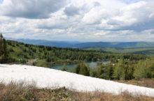 Нижнее озеро на Красной горе в Республике Алтай. Отдых для души