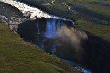 Хибарбинский (Кандинский) водопад на плато Путорана