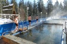 Дзелиндские источники — термальные источники в Северном Прибайкалье