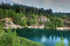Мраморное озеро в селе Абрашино